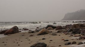 Steine des Herbstmeeres stockfotos