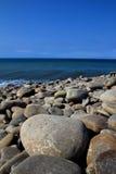 Steine durch den Pazifischen Ozean Taiwan Lizenzfreies Stockbild