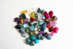 Steine, farbige Kristalle Lizenzfreie Stockfotos