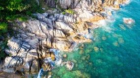 Steine und das Meer Stockfotos