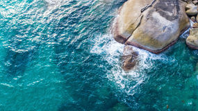 Steine und das Meer Lizenzfreies Stockbild