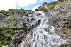 Steine und Wasserfall Lizenzfreies Stockbild