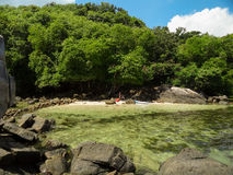 Steine von La Digue Seychellen Lizenzfreies Stockfoto
