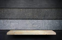 Steinfelsenregalzähler für Produktanzeige stockbilder