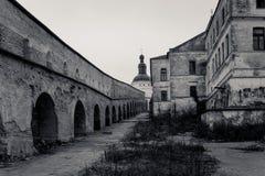 Steingalerie in Kiew-Pechersk Lavra Horizontales Format Stockbilder