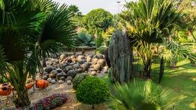 Steingarten tropischen Gartens Thailand Park Nong Nooch Lizenzfreie Stockfotos