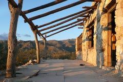 Steingebäude in der Arizona-Wüste Stockbild
