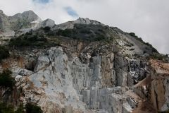 Steingrube von Carara in Italien stockbilder