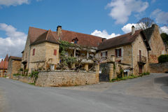 Steinhäuser im Dorf Stockfotos