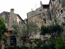 Steinhäuser in Porec, Kroatien stockbild