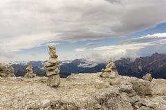 Steinhügel auf Sass Pordoi dolomites Italien lizenzfreies stockbild