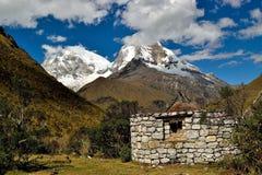 Steinhütte in den Anden Lizenzfreies Stockfoto