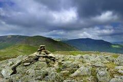 Steinhaufen auf Tauben-Felsspitze stockfoto