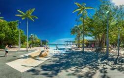 STEINHAUFEN, AUSTRALIEN - 27. MÄRZ 2016 Tropische Schwimmenlagune auf t Lizenzfreie Stockfotografie