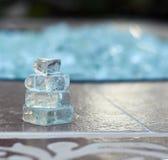 Steinhaufen hergestellt von defektem Glas Stockfotografie