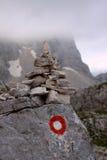 Steinhaufen- und Hinterflammen Stockfoto