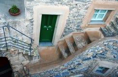 Steinhaupteingang auf Treppen Stockbild