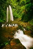 Steiniger Jumog-Wasserfall Jawa Tengah stockbilder
