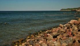 Steinküste der Ostsee lizenzfreie stockfotos