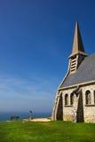 Steinkapelle auf den Klippen Stockfoto