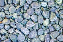 Steinkiesel masern den Hintergrund, der für Innenaußendekorations- und Industriebaukonzeptentwurf Mehrfarben ist stockfotos