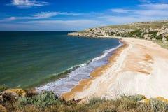 Steinklippen auf der Küste stockfotografie