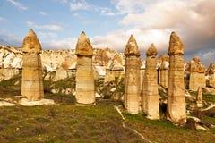 Steinklippen sieht wie Häuser einer Fee im Liebestal aus stockfoto