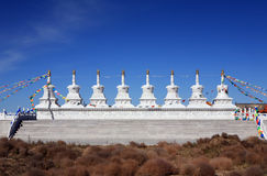 Steinkontrollturm mit blauem Himmel Lizenzfreies Stockfoto