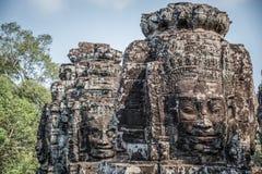 Steinkopf auf Türmen von Bayon-Tempel in Angkor Thom, Kambodscha. S lizenzfreies stockbild