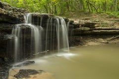 Steinnebenfluss-Wasserfall Lizenzfreies Stockbild