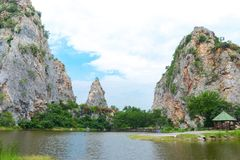 Steinpark Khao Ngu in Ratchaburi, Thailand lizenzfreie stockbilder