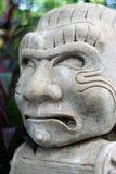 Steinpuppe-Garten-Maya-Gesichts-Statue Stockfotografie