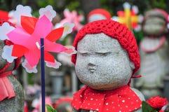 Steinpuppen im Tempel, Japan Stockfotografie