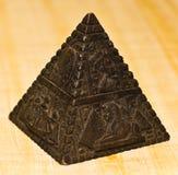 Steinpyramide-Figürchenoberlederwinkel Lizenzfreie Stockfotografie