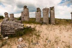 Steinsäulen nahe der Stadt von Varna in Bulgarien Stockfotos
