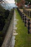 Steinschlosswand lizenzfreies stockbild