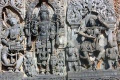 Steinschnitzen an Hoysaleswara-Tempel, Halebedu, Karnataka Lizenzfreie Stockfotografie