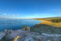 Steinschreiben durch Medizinmann Rock auf der Insel von Olkhon auf See Bai Lizenzfreie Stockfotografie