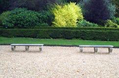 Steinsitze oder Bänke in Blenheim-Palast arbeiten, England im Garten Stockfotos