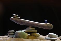 Steinskalen von Kieseln Stockbild