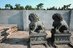 Steinskulptur in Form eines Löwes Stockbilder