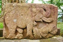 Steinskulptur und Entlastung in Sukuh-Tempel lizenzfreies stockfoto