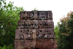Steinskulptur und Entlastung in Sukuh-Tempel lizenzfreie stockfotografie