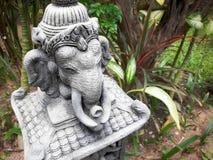 Steinstatue des Elefanten im Garten thailand Lizenzfreies Stockbild