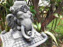 Steinstatue des Elefanten im Garten thailand Lizenzfreie Stockfotos