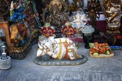 Steinstatuen auf indischer Straße, Ganesh stockfoto