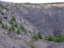 Steinsteinbruchkohlenbergbau ist ausgeführte geodätische Arbeiten lizenzfreies stockfoto
