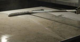 Steinverarbeitungsvollenden stock video footage