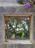 Steinwand-Öffnung Stockfoto