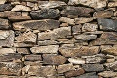 Steinwand der trockenen Maurerarbeit Lizenzfreie Stockfotografie
